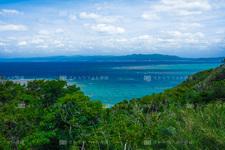 古宇利島/古宇利島から国頭方面を望む CE003