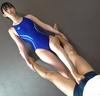 ■②黑川淳(Sumire Kurokawa)当我在一家专门从事泳衣的高级俱乐部中透露自己的习惯时,我被脚上的恋物癖游戏和电动按摩所震撼!