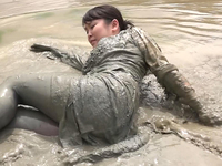 Searching with uniform covered with mud (DM18-1)