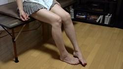 人妻生足☆フードクラッシュ・サラミ