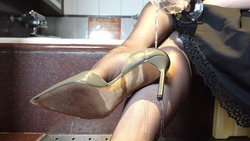 Wet&Messy Shoes Scene090